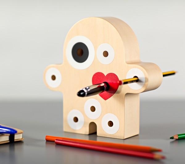 idea regalo porta penne in legno